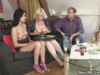 Красивое порно видео со зрелой